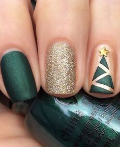 Elegant Green Nails For Christmas This Year : If you are looking for some Christmas green nail art ideas. We have Collected elegant Christmas nail art ideas for you. Diy Christmas Nail Art, Christmas Tree Nails, Christmas Nail Art Designs, Xmas Nails, Holiday Nails, Christmas Ideas, Simple Christmas Nails, Christmas Manicure, Holiday Ideas