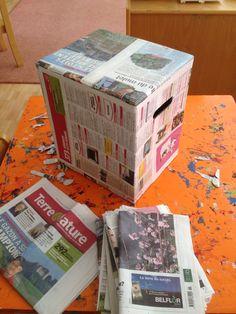 Tabouret en carton recouvert de papier avec colle d'amidon
