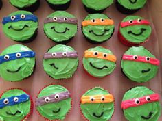 We thought this was an adorable idea: Ninja Turtle cupcakes! Perfect as a year end treat for your students!
