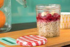 Le porridge, le secret d'un petit déjeuner réussi - Avril sur un fil Granola, Mason Jars, Oatmeal, Avril, Health Fitness, Vegetables, Breakfast, Blog, Favorite Recipes