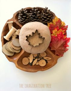 Maple Syrup Play Dough Recipe - The Imagination Tree Natural Maple Syrup Play Dough Recipe- smells awesome! Toddler Crafts, Crafts For Kids, Toddler Fun, Holidays With Toddlers, Imagination Tree, Fall Preschool, Preschool Classroom, Tree Study, Playdough Activities