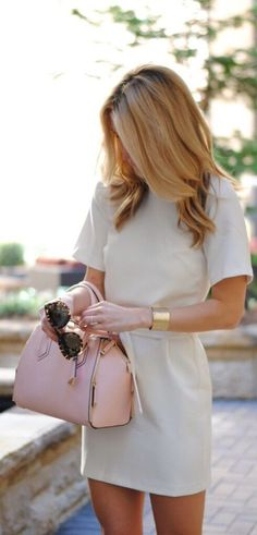 Dresses make for one of the best cute summer work outfits for women! #summerworkoutfits #workoutfitswomen #summerworkoutfitsoffice #office #summer #work