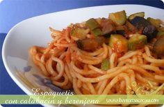Espaguetis con calabacín y berenjena -  Los platos de pasta siempre son muy socorridos, fáciles de preparar y, en la mayoría de sus versiones, gustan a los niños. Por eso este tipo de recetas son las estrellas de todo hogar, además de una fantástica oportunidad para que las verduras sean un poco más aceptadas. En esta ocasión... - http://www.lasrecetascocina.com/2012/12/30/espaguetis-con-calabacin-y-berenjena/