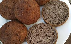 Luxusní makové houstičky - nízkosacharidové Food Inspiration, Ham, Banana Bread, Smoothies, Muffin, Paleo, Food And Drink, Low Carb, Healthy Recipes