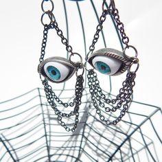 Eyeball earrings are so cool!