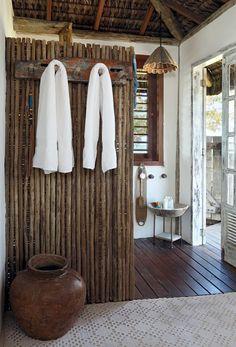 Casa de praia rústica na Bahia/Rustic beach house -Brazil// ...Repinned via Decorget Store Toile, Bamboo Wall, Bamboo House, Lattes, Towel Holders, Cabanas, Outdoor Bathrooms, Beach House Decor, Home Decor