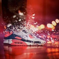 "Alerte à la Bombe ! @elzapatillaztio and his sick shot of his @Nikesportwear #AirMax 90 #Hyperfuse ""Infrared"" Hashtag #sneakersaddict & #sadp for a shoutout # #sneakerhead #kickstagram #kicksoftheday #sneakers"