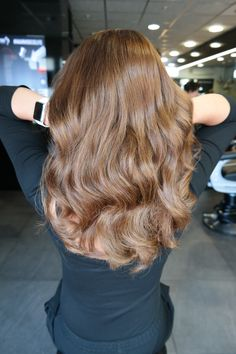 #haarvisie #haarvisierijswijk #haircolor #hairstyle #hairstyle2017 #wella #wellacolor #bronde #trend #longhair #waves #shine #olaplex #healthyhair Top Stylist, Brunettes, Latest Fashion Trends, Hair Care, Stylists, Long Hair Styles, Beauty, Beautiful, Color