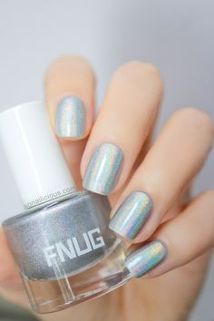 The best holographic polish made in Denmark! More: http://sonailicious.com/holographic-polish-fnug-psychedelic-review/