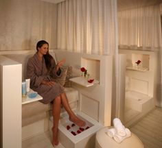 Loving the idea of having a couple of suites for clients that want a more private area for a pedicure and relaxation! Possibly for clients to reserve this space for a couple session or just girlfriends wanting to have a relaxing girls day,. Also love the idea of offering champs!