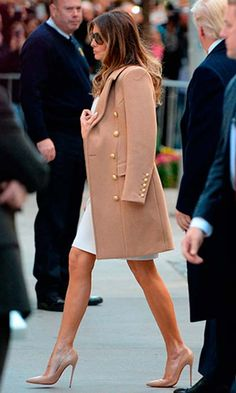 What designers will Melania Trump wear as First Lady? - The new First Lady chose a coat by a French designer, Balmain, and matching Louboutins – her go-t - Melania Trump Shoes, First Lady Melania Trump, Look Fashion, Winter Fashion, Fashion Outfits, Womens Fashion, Fashion Trends, Net Fashion, Fashion Ideas