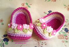 Slippers Crochet with Wreath for Baby by Nekomaru85.deviantart.com on @deviantART