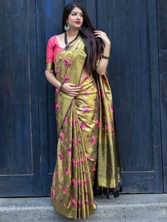 Gorgeous New Fashion Kanjivaram Silk Green and Peach Color Saree come with matching blouse. This new arrival saree made with weaving work on whole attire. This Kanjivaram Silk Saree. Comes With Contrast Silk Blouse Which Can Be Stitch Up To Lehenga Choli, Lehenga Style Saree, Kanjivaram Sarees, Art Silk Sarees, Silk Sarees Online, Saree Dress, Anarkali, Sari Design, Beau Sari