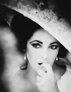 Elizabeth Taylor beautiful eyes! What a woman!!