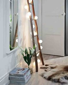 DIY projects with wooden ladder: 20 inspiring pictures and ide .- DIY Projekte mit Holzleiter: 20 inspirierende Bilder und Ideen zum Nachmachen Scandinavian interior in the living room Wooden ladder with fairy lights - Home And Deco, Diy Bedroom Decor, Home Decor, Bedroom Ideas, Bedroom Furniture, Bedroom Lamps, Furniture Ideas, Bedroom Designs, Budget Bedroom