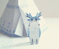Tonnerre  main miniature peinte broche animaux par TukoniTribe