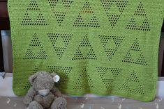 """Triangle """"Triforce"""" Motif Crochet Blanket Pattern"""