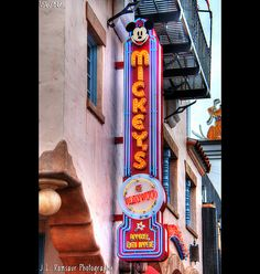 Mickey's of Hollywood  sign, Disney's Hollywood Studios in Florida