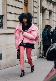 PFW: Six Best Street Style Trends - Style twins, stomping platforms and super-sized puffa jackets scored high on the streets of Paris Street Style Trends, Street Style Fashion Week, Paris Fashion Week 2016, Street Style Chic, Street Style 2016, Outfits Inspiration, Mode Inspiration, Fashion Inspiration, Looks Street Style