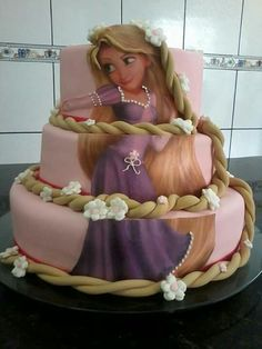 Great idea for girls cake Baby Cakes, Cute Cupcakes, Cupcake Cookies, Beautiful Cakes, Amazing Cakes, Bolo Rapunzel, Princess Rapunzel, Extreme Cakes, Frozen Cake