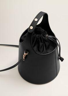 leather purses and handbags Fashion Handbags, Purses And Handbags, Fashion Bags, Fashion Week, Fashion Fashion, Runway Fashion, Fashion Trends, Nouvelle Collection Mango, Leather Purses