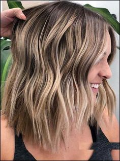 46 Awesome Balayage Highlights You Must Try in 2018 Fantastic ideas of balayage hair colors and highlights for all those fashionable ladies who are searching for latest trends of hair colors right now. You have to know that, balaayge has become one of the Hair Color Shades, Ombre Hair Color, Brown Hair Colors, Teen Hair Colors, Hair Colours, Balayage Hair Blonde, Balayage Highlights, Balayage Color, Bayalage