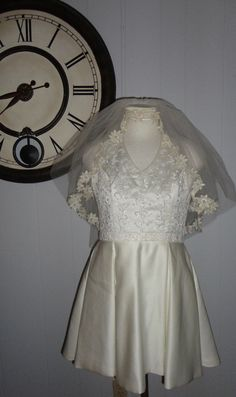 Alfred Angelo Destination Wedding Ivory Short Embellished Dress 8 w Vintage Veil