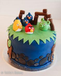 Angry birds fondant cake. www.tekila.fi