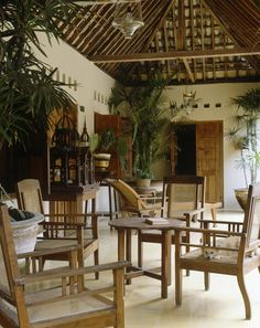 Asian Tropical Dining Room