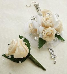Infinite Rose Antique White Corsage & Boutonniere Add a touch of turquoise and pink to match the dress Red Corsages, White Corsage, Prom Corsage And Boutonniere, Corsage Wedding, Wedding Bouquets, Homecoming Flowers, Prom Flowers, Bridal Flowers, Homecoming Corsage