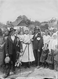 Folk Costume, Costumes, Folk Dance, World Cultures, Homeland, Folklore, Hungary, Old Photos, Austria
