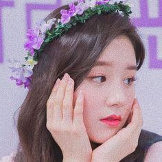 South Korean Girls, Korean Girl Groups, Nancy Momoland, Best Kpop, Olivia Hye, Galaxy Wallpaper, K Idols, Kpop Girls, Ulzzang