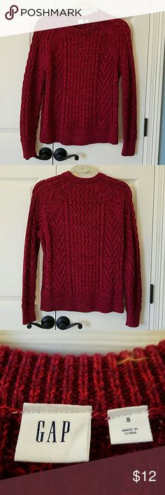 GAP Cableknit Sweater EUC Thick cotton cableknit sweater.  Only worn a couple times.  No flaws. GAP Sweaters Crew & Scoop Necks
