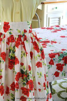 Retro skirt.  Wilendur vintage tablecloth-inspired skirt.  More on today's blog post at www.RetroRevivalBiz.blogspot.com