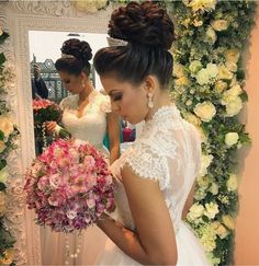 7 Steps Plan For Perfect Wedding Hairstyle - Aspire Wedding Wedding Hair And Makeup, Wedding Updo, Bridal Hair, Quince Hairstyles, Bride Hairstyles, Wedding Looks, Dream Wedding, Desi Wedding Dresses, Quinceanera Hairstyles