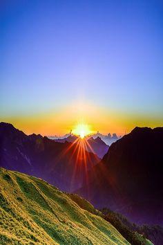 """nordvarg:  """" (via 500px / Rising Sun by Hsiao-Tse Chung) """""""