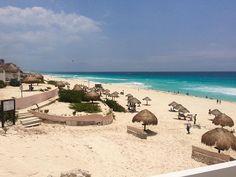 """""""Praia pública e de fácil acesso, você pode chegar neste paraíso pegando qualquer ônibus na região hoteleira de Cancun.  #cancun #mardocaribe #playadelfines ***************** #tripadvisor #mochileiros #braroundtheworld #travelwriter #travel #instatravel #lonelyplanet  #mochileiros #travelgram #tourism #instago #travelblogger #instatravelling #instavacation #natgeo #travelblogger#instapassport#postcardsfromtheworld #traveldeeper#travelphotography #travelstroke #traveltheworld  #igtravel…"""