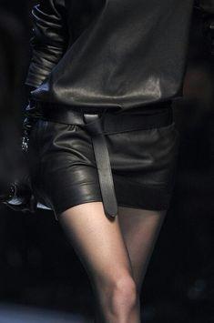 Elegant leather - by hermes Dark Fashion, Leather Fashion, High Fashion, Womens Fashion, Steampunk Fashion, Gothic Fashion, Style Noir, Mode Style, Style Me