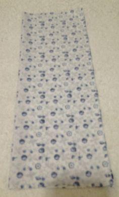 Esse porta cartão de patchwork é um trabalho diferente e delicado, feito com retalhos quadrados de tecidos cortados no padrão com estampa azul. O aproveitamento de retalhos é muito importante pois …