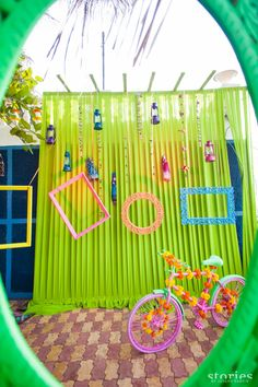Cute photobooth at Mehendi Shonan & Adesh