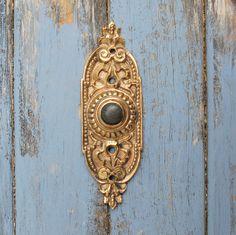 Attrayant Ornate Doorbell