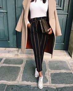 Trifft das hier deinen Geschmack? Dann wirst du die unglaublichen Angebote auf dieser Seite lieben: www.nybb.de #fashion #inspiration #mode