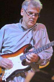 Steve Bartek - former lead guitarist for Oingo Boingo and all-around prince among men. Steve, as always, thank you. Danny Elfman Movies, Elf Man, Oingo Boingo, My Ex Girlfriend, Ex Girlfriends, Playing Guitar, A Good Man, Musicians, Prince