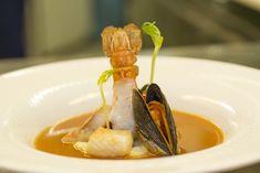 Heute gibt es ein FEINES Süppchen! Für mich nicht nur die berühmeste Fischsuppe der Welt, sondern auch die Beste. Bouillabaisse mit Sauce Rouille!  Rezept mit Videoanleitung gibt es hier http://falk-kulinarium.de/…/bouillabaisse-mit-sauce-rouille/