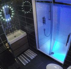 Michael from Gateshead #VPShareYourStyle the illuminated shower and LED mirror really make this bathroom stand out.