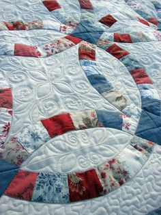 Double Wedding Ring quilt in French General Rural Jardin fabrics.  Close up of quilting at Who Does These Things