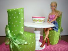 Barbie Furniture - Green Polka Dot Dining Room Set with Pedestal Table, 2 Parsons Chairs and Hand-Painted Bowl - from the Rachael Collection