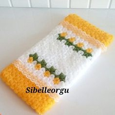HUZUR SOKAĞI (Yaşamaya Değer Hobiler) Easy Knitting Patterns, Washing Clothes, Crochet Baby, Christmas Stockings, Diy And Crafts, Holiday Decor, Antalya, Crochet Stitches, Gingham Quilt