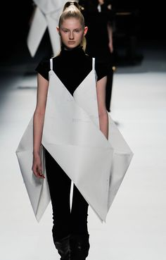 Sculptural Fashion - origami dress; paper couture; creative fashion // Issey Miyake