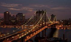 The Manhattan Bridge is a suspension bridge that crosses the East River in New York City ,connecting Lower Manhattan with Brooklyn. Manhattan City, Manhattan Bridge, Lower Manhattan, Bridge Wallpaper, City Wallpaper, Travel Wallpaper, 1080p Wallpaper, Nyc Background, San Francisco Bridge